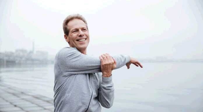 mature-man-exercising